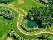 Nederland, Gelderland, Druten, 14–05-2020; Waalbandijk met wiel of doorbraak, direct ten westen van Druten. Restant van vroegere dijkdoorbraak, nu binnendijks.<br /> Waalbandijk (winter dike) with wheel or breakthrough, immediately west of Druten. Remnant of earlier dike breach.<br /> <br /> luchtfoto (toeslag op standaard tarieven);<br /> aerial photo (additional fee required)<br /> copyright © 2020 foto/photo Siebe Swart