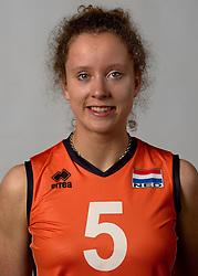 07-04-2014 NED: SELECTIE JONG ORANJE: ARNHEM<br /> Volleybalteam Jong Oranje / Lynn Braakhuis<br /> ©2014-FotoHoogendoorn.nl