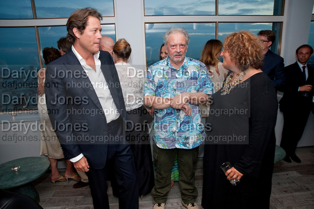 ARPAD BUSSON; DAVID BAILEY; KATHERINE WRIGHT, Dinner hosted by Julia Peyton-Jones and Hans Obrist for the Council of the Serpentine to celebrate: Jeff Koons, Popeye Series. Paramount Club, Paramount Centre Point. London. 30 June 2009