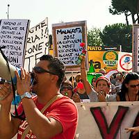 Manifestazione contro la discarica Monti dell'Ortaccio