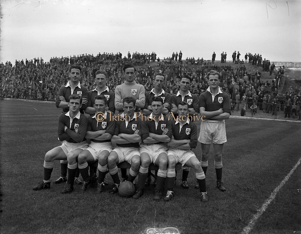 21/09/1955<br /> 09/21/1955<br /> 21 September 1955<br /> League of Ireland v Scottish League at Dalymount Park, Dublin. The League of Ireland team.