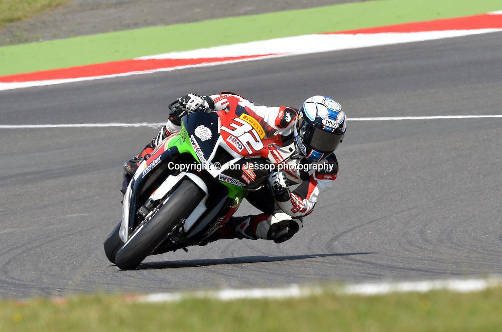 #32 Kyle Wilks Tsingtao WK Kawasaki Superstock 1000