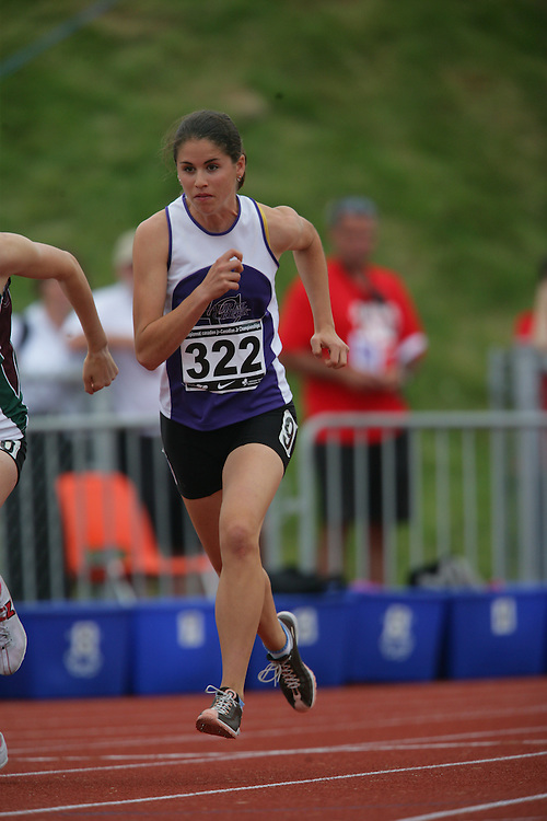 (Charlottetown, Prince Edward Island -- 20090718) Sarah Mccuaig of Laurel Creek Track & Fiel competes in the 800m semifinals at the 2009 Canadian Junior Track & Field Championships at UPEI Alumni Canada Games Place on the campus of the University of Prince Edward Island, July 17-19, 2009.  Geoff Robins / Mundo Sport Images ..Mundo Sport Images has been contracted by Athletics Canada to provide images to the media.