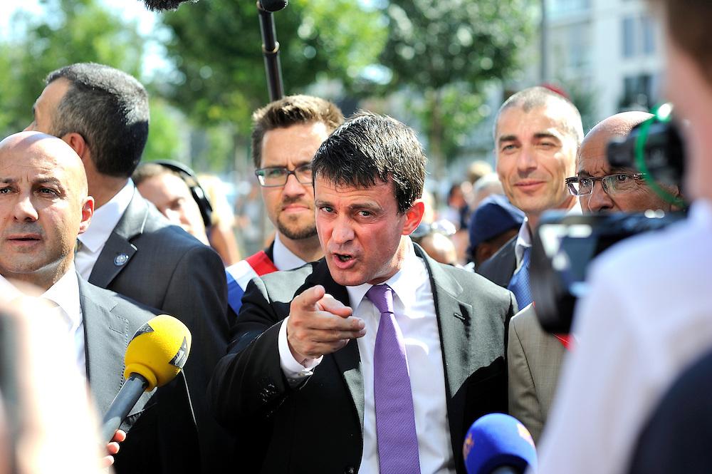 Déplacement de Manuel Valls Ministre de l'intérieur suite a des fusillades, le 05 septembre 2013 à Colombes.