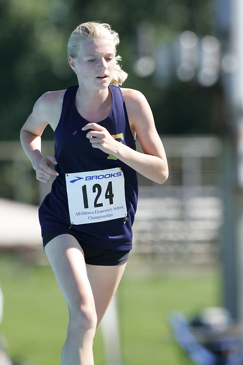 Victoria Samyn competing in the 3000m at the 2007 Ontario Legion Track and Field Championships. The event was held in Ottawa on July 20 and 21.