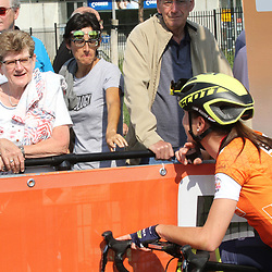 03-09-2017: Wielrennen: Boels Ladies Tour: Sittard: Annemiek van Vleuten met haar moeder Ria