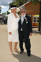 MR KEN BATES and MISS SUSANNAH DWYER  at the 3rd day - Ladies Day of Roayl Ascot 2006 on 22nd June 2006.<br />