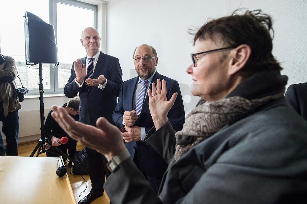22 FEB 2017, LUEBBEN/GERMANY:<br /> Dietmar Woidke, SPD, Ministerpraesident Brandenburg, und Martin Schulz, SPD, Kanzlerkandidat, und Sylvia Lehmann, SPD, MdL Brandenburg, (v.L.n.R.), besuchen einen Empfang mit Ehrenaemtlern, Spreewaldklinik<br /> IMAGE: 20170222-01-100<br /> KEYWORDS: Ehrenamtsempfang