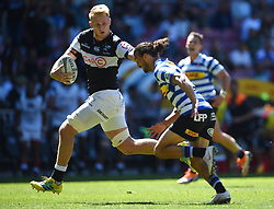 Cape Town-180929-Daniel du Preez of the Cell C Sharks tackled by Dillyn Leyds  of the   Western Province rugby team in a Currie cup Clash at Newlands Stadium  .Photographs:Phando Jikelo/African News Agency/ANA