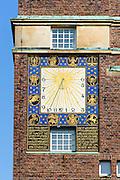 Sonnenuhr am Hochzeitsturm, Mathildenhöhe, Jugendstil, Darmstadt, Hessen, Deutschland | Sun clock on Hochzeitsturm, Centre of Art Noveau on Mathildenhoehe, Darmstadt, Germany