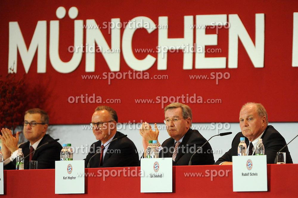 13.11.2013, Audi Dome, Muenchen, GER, 1. FBL, Jahreshauptversammlung FC Bayern Muenchen, im Bild Das Praesidium des FC Bayern Muenchen <br /> vl Jan-Christian Dreesen (Finanzvorstand FC Bayern Muenchen), Vorstandsvorsitzender Karl-Heinz Rummenigge (FC Bayern Muenchen), Karl Hopfner (Ehrenamtlicher Vize-Praesident), Praesident Uli Hoeness (FC Bayern Muenchen) // during the annual General Meeting of 2013 at the Audi Dome in Muenchen, Germany on 2013/11/13. EXPA Pictures &copy; 2013, PhotoCredit: EXPA/ Eibner-Pressefoto/ Stuetzle<br /> <br /> *****ATTENTION - OUT of GER*****