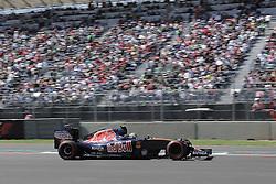 October 29, 2016 - Mexico - EUM20161029DEP18.JPG .CIUDAD DE MÉXICO MotoringAutomovilismo-F1.- El piloto español de la escudería Toro Rosso, Carlos Sainz, en la en la carrera de clasificación del Gran Premio de México de la Fórmula 1, 29 de octubre de 2016, Autódromo Hermanos Rodríguez. Foto: Agencia EL UNIVERSALAlejandro AcostaJMA  (Credit Image: © El Universal via ZUMA Wire)
