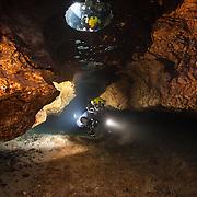 Cavernes & Cénotes | Caves & Cenotes