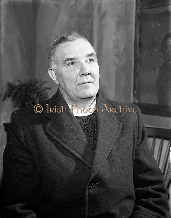"27/04/1957<br /> 04/27/1957<br /> 27 April 1957<br /> Gael Linn- ""Muiris O hAirt"" drama at Damer Hall. Portrait of actor Aodh O'Dubhgain"