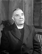 "27/04/1957<br /> 04/27/1957<br /> 27 April 1957<br /> Gael Linn- ""Muiris O hAirt"" drama at Damer Hall. Portrait of actor Aodh O'Dubhgain"