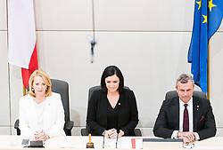 09.11.2017, Hofburg, Wien, AUT, Parlament, Nationalratssitzung, Konstituierende Sitzung des Nationalrates mit Wahl des neuen Präsidiums, im Bild das neue Präsidium v.l.n.r. Zweite Nationalratspräsidentin Doris Bures (SPÖ), Nationalratspräsidentin Elisabeth Köstinger (ÖVP) und Dritter Nationalratspraesident Norbert Hofer (FPÖ) // f.l.t.r. 2nd President of the National Council Doris Bures (SPOe), President of the National Council Elisabeth Koestinger (OeVP) and 3rd President of the National Council Norbert Hofer (FPOe) during Inaugural meeting of the National Council of austria at Hofburg palace in Vienna, Austria on 2017/11/09, EXPA Pictures © 2017, PhotoCredit: EXPA/ Michael Gruber