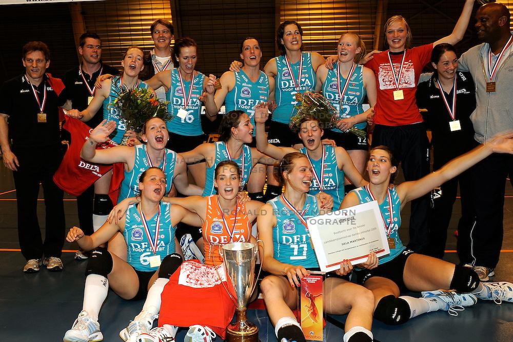 24-04-2009 VOLLEYBAL: PLAY OFF FINALE AMVJ - DELA MARTINUS: AMSTELVEEN<br /> DELA Martinus opnieuw kampioen van Nederland<br /> &copy;2009-WWW.FOTOHOOGENDOORN.NL