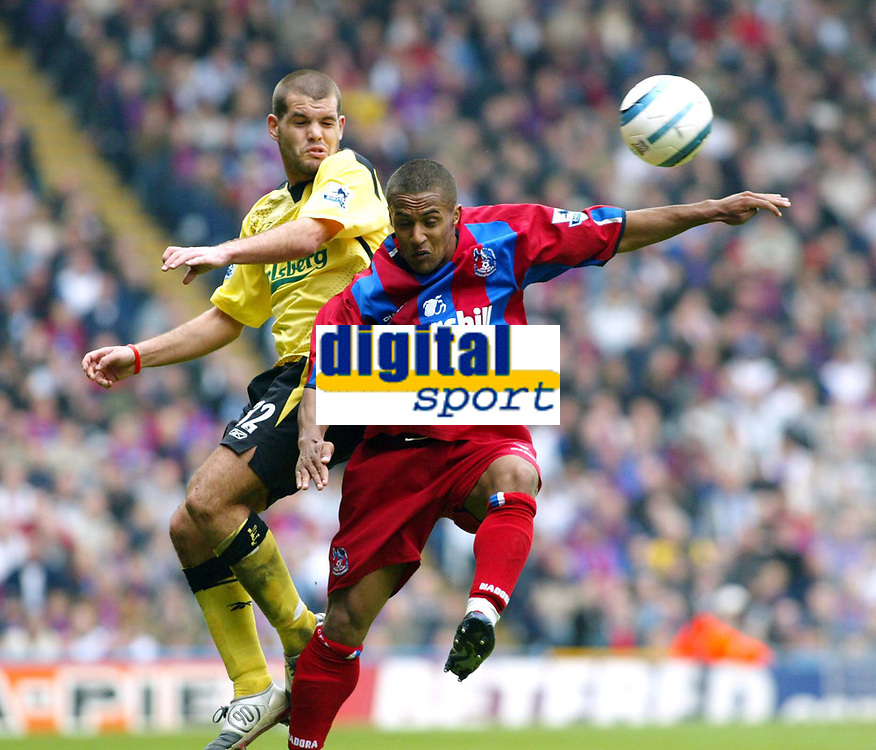 Fotball<br /> Premier League 2004/05<br /> Crystal Palace v Liverpool<br /> 23. april 2005<br /> Foto: Digitalsport<br /> NORWAY ONLY<br /> John Welsh of Liverpool goes up for the ball with Wayne Routledge of Palace