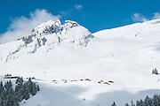 Foto von Burg im Winter oben Busalp in Jungfrauregion in Berner Oberland