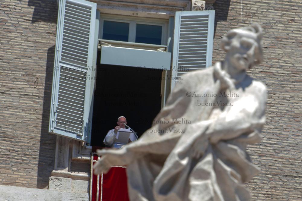 Papa Francesco durante l'Angelus di Domenica 11 giugno 2017.