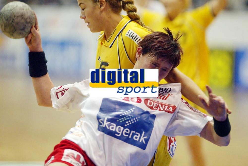 Håndball, 12. januar 2003,  Mesterligaen for kvinner , Bergslihallen , Larvik - Ikast,  Monica Meland, Larvik