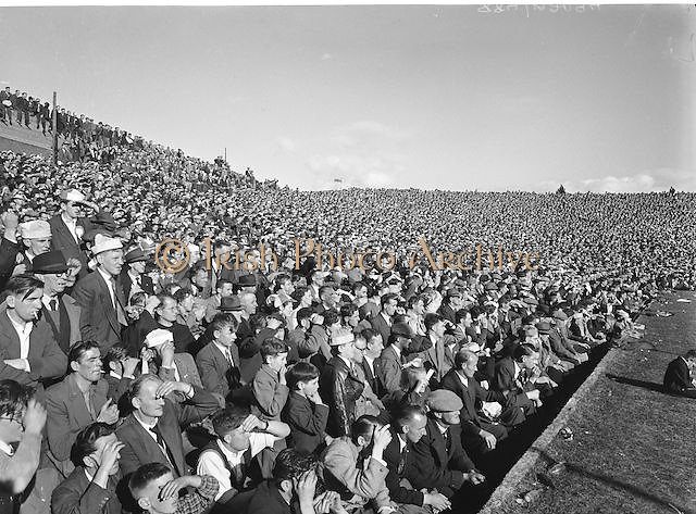 Crowds of supporters watching the All Ireland Senior Gaelic Football Final Kerry v Dublin in Croke Park on the 25th September 1955. Kerry 00-12 Dublin 01-06.