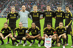 UTRECHT, THE NETHERLANDS - Thursday, September 30, 2010: Liverpool players line-up for a team group photograph before the UEFA Europa League Group K match against FC Utrecht at the Stadion Galgenwaard. Back row L-R: Christian Poulsen, goalkeeper Pepe Reina, Dirk Kuyt, Martin Kelly, Martin Skrtel, Fernando Torres. Front row L-R: Lucas Leiva, Raul Meireles, Glen Johnson, Jamie Carragher, Joe Cole. (Photo by David Rawcliffe/Propaganda)