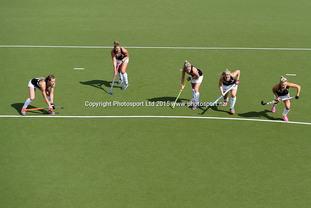 Black Sticks players wait for a penalty corner during their 2015 South Island Tour game between the New Zealand Black Sticks Women v Argentina. College Park, Blenheim, New Zealand. Sunday 4 October 2015. Copyright Photo: Chris Symes / www.photosport.nz