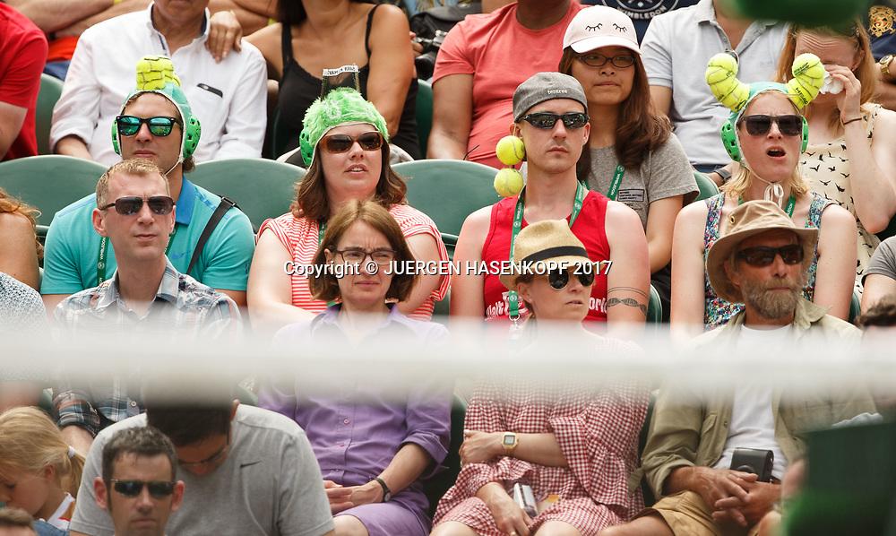 Wimbledon Feature, Zuschauer auf der Tribuene mit lustiger Kopfbedeckung,<br /> <br /> Tennis - Wimbledon 2017 - Grand Slam ITF / ATP / WTA -  AELTC - London -  - Great Britain  - 8 July 2017.