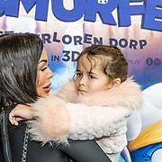 NLD/Amsterdam/20170318 - première De Smurfen en het Verloren Dorp, Amada Balk en dochter Vegas