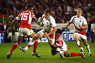Rugby World Cup. England v Tonga. Mark Cueto attacks the Tongan defence at the Parc des Princes, Paris, France. Friday 28 September 2007. Photo: Ron Gaunt/Sportzpics
