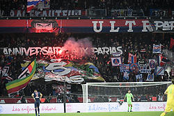 December 22, 2018 - Paris, France - ILLUSTRATION - SUPPORTERS - DRAPEAUX - FUMIGENES - BANDEROLES (Credit Image: © Panoramic via ZUMA Press)