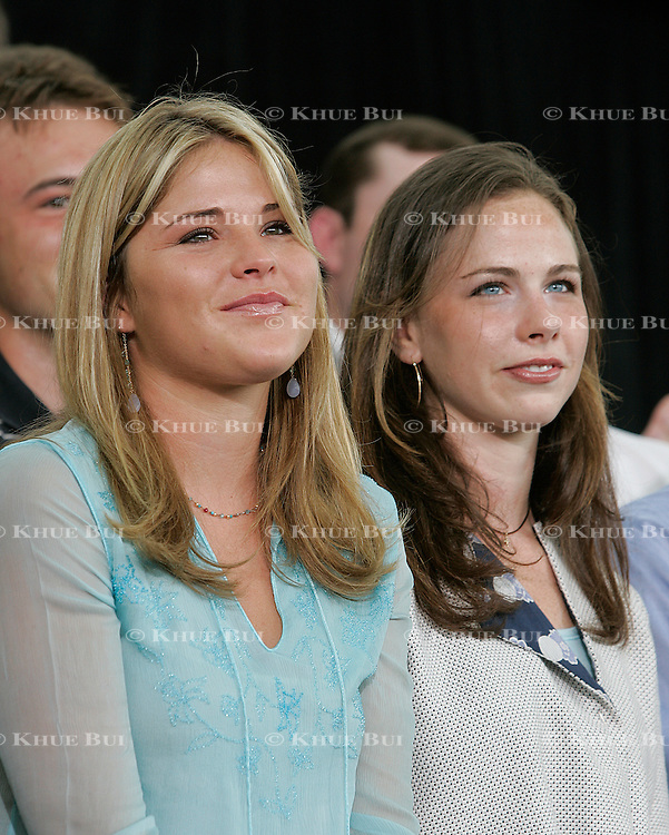 """Jenna Bush and Barbara Bush, the daughters of Pres. Bush, attend an """"Ask the President"""" event Tuesday, July 20, 2004, in Cedar Rapids, IA...Photo by Khue Bui"""