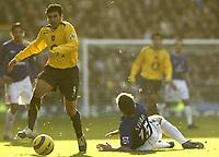 Photo: Aidan Ellis.<br /> Everton v Arsenal. The Barclays Premiership. 21/01/2006.<br /> Arsenal's Jose Antonio Reyes gets away from Everton's Alan Stubbs