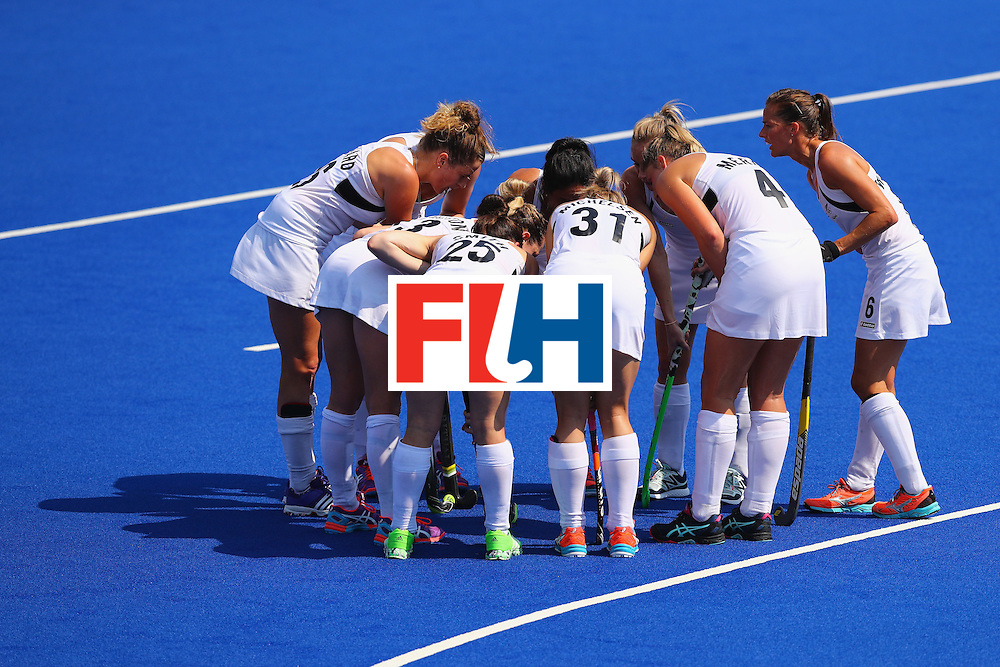 RIO DE JANEIRO, BRAZIL - AUGUST 19:  New Zealand huddles during the Women's Bronze Medal Match against Germany on Day 14 of the Rio 2016 Olympic Games at the Olympic Hockey Centre on August 19, 2016 in Rio de Janeiro, Brazil.  (Photo by Tom Pennington/Getty Images)