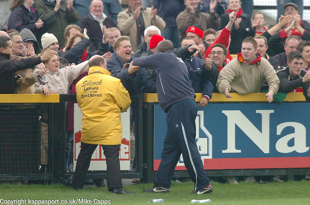 MORRELL MAISON  MANAGER  KETTERING TOWN  APPLAUDS THE TRAVELLING KETTERING TOWN FANS, Southport v Kettering Town Conference Saturday 28th October 2006