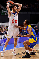 Real Madrid's Rudy Fernandez and Maccabi Fox's Andrew Goudelock during Turkish Airlines Euroleague match between Real Madrid and Maccabi at Wizink Center in Madrid, Spain. January 13, 2017. (ALTERPHOTOS/BorjaB.Hojas)