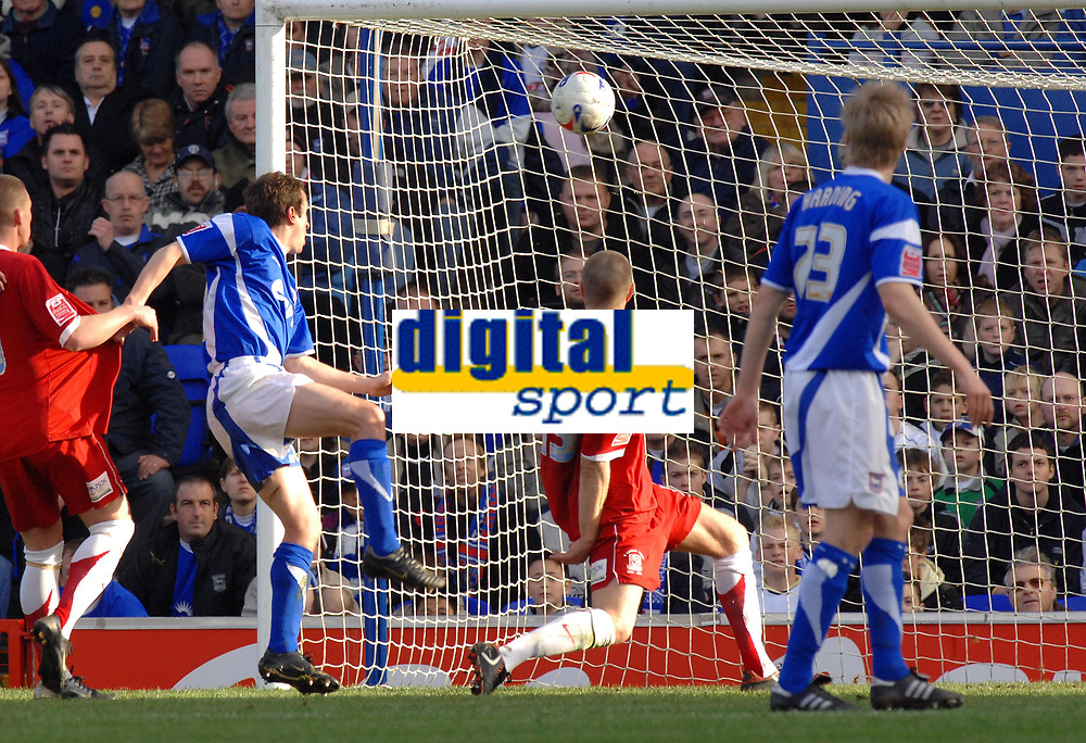 Photo: Ashley Pickering.<br />Ipswich Town v Southend United. Coca Cola Championship. 10/03/2007.<br />Peter Clarke (No.15) heads in Southend's second goal (0-2)