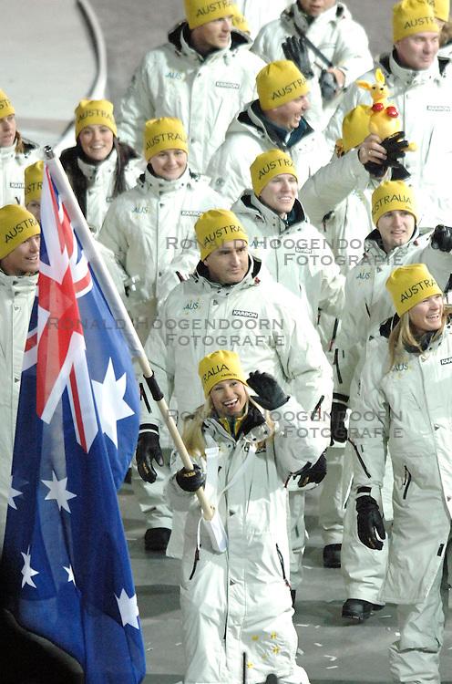 10-02-2006 ALGEMEEN: OLYMPISCHE SPELEN: TORINO<br /> Openingsceremonie OS 2006 / Australie<br /> &copy;2006-WWW.FOTOHOOGENDOORN.NL