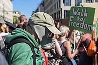 """01 AUG 2020, BERLIN/GERMANY:<br /> Person mit Gasmaske demonstriert auf der Demonstration gegen die Einschraenkungen in der Corona-Pandemie durch die Initiative """"Querdenken 711"""" aus Stuttgart unter dem Motto """"Das Ende der Pandemie - Tag der Freiheit"""", Unter den Linden<br /> IMAGE: 20200801-01-001<br /> KEYWORDS: Demo, Protest, Demosntranten, Protester, COVID-19, Corona-Demo"""