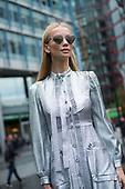 Tatiana Korsakova Street Style -18-09-17-LFW