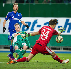24.01.2015, Ernst Happel Stadion, Wien, AUT, FS Vorbereitung, Fußball Testspiel, SK Rapid Wien vs FC Schalke 04, im Bild Spielszene mit Robert Beric, (SK Rapid Wien, #9) und Fabian Giefer (FC Schalke 04) // during a international football frindly match between SK Rapid Vienna and FC Schalke 04 at the Ernst Happel Stadium, Vienna, Austria on 2015/01/24. EXPA Pictures © 2015, PhotoCredit: EXPA/ Michael Gruber
