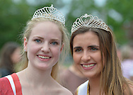 Wantagh, New York, USA. 4th July 2015. L-R, KERI BALNIS, Miss Wantagh 2015,and HAILEY ORGASS, Miss Wantagh 2012, pose together after The Miss Wantagh Pageant ceremony, a long-time Independence Day tradition on Long Island, held at Wantagh School after the town's July 4th Parade. Since 1956, the Miss Wantagh Pageant, which is not a beauty pageant, crowns a high school student based mainly on academic excellence and community service.