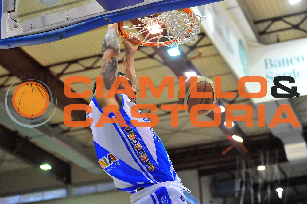 DESCRIZIONE : Campionato 2013/14 Semifinale GARA4  Dinamo Banco di Sardegna Sassari - Olimpia EA7 Emporio Armani Milano<br /> GIOCATORE : Drew Gordon<br /> CATEGORIA : Schiacciata Sequenza<br /> SQUADRA : Dinamo Banco di Sardegna Sassari<br /> EVENTO : LegaBasket Serie A Beko Playoff 2013/2014<br /> GARA : Dinamo Banco di Sardegna Sassari - Olimpia EA7 Emporio Armani Milano<br /> DATA : 05/06/2014<br /> SPORT : Pallacanestro <br /> AUTORE : Agenzia Ciamillo-Castoria / Luigi Canu<br /> Galleria : LegaBasket Serie A Beko Playoff 2013/2014<br /> Fotonotizia : DESCRIZIONE : Campionato 2013/14 Semifinale GARA4 Dinamo Banco di Sardegna Sassari - Olimpia EA7 Emporio Armani Milano<br /> Predefinita :