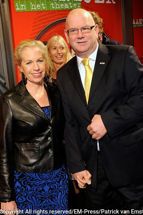 Premiere theatervoorstelling Baantjer in het De LaMar theater, Amsterdam.<br /> <br /> Op de foto: Ruud de Graaf en partner