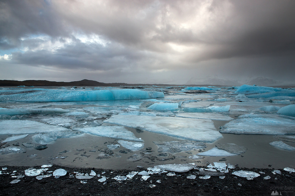 Jökulsárlón Lagoon view under cloudy skies