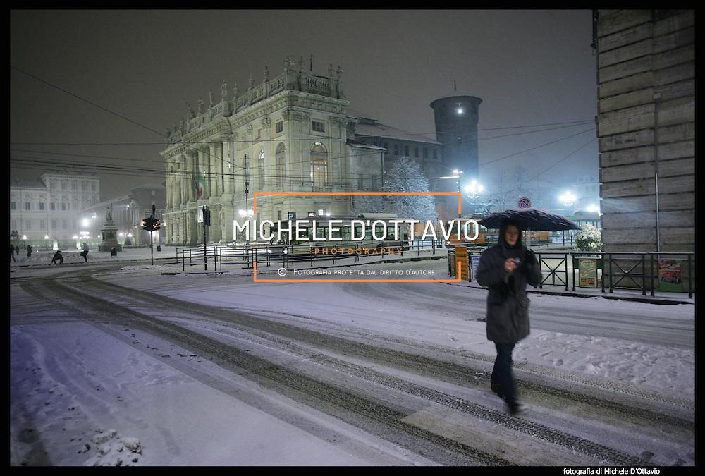 Nella foto Piazza Castello.. Turin under snow, Torino sotto la neve.