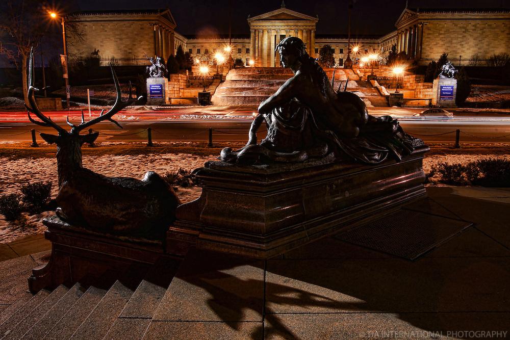 Statue at Eakins Oval & Philadelphia Museum of Art (1)