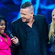 NLD/Amsterdam/20181025 - Finale The Talent Project 2018, winnares Avanaysa Neida, Johnny de Mol en Anouk Schottink