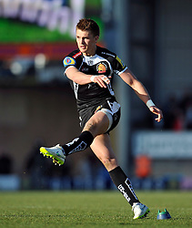 Henry Slade of Exeter Chiefs kicks for the posts - Photo mandatory by-line: Patrick Khachfe/JMP - Mobile: 07966 386802 07/03/2015 - SPORT - RUGBY UNION - Exeter - Sandy Park - Exeter Chiefs v London Welsh - Aviva Premiership